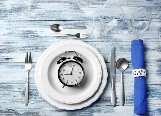 ¿Cómo controlar tus compulsiones alimentarias?